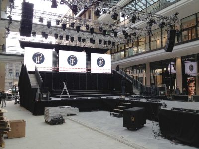 Bühne Mal of Berlin: Event Agentur creative Service Drummer, Berlin