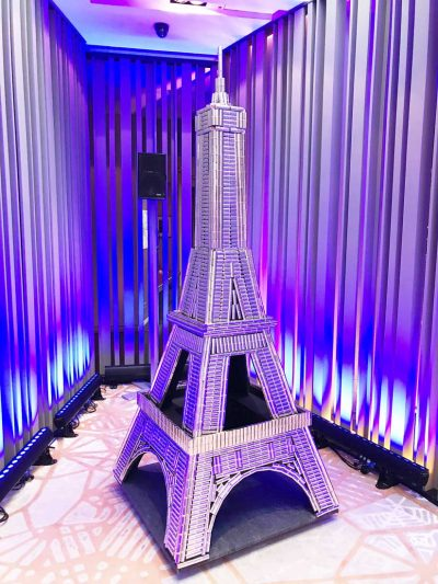 Eiffelturm L`Oreal Paris, gebaut aus Lippenstiften: Event Agentur creative Drummer, Berlin
