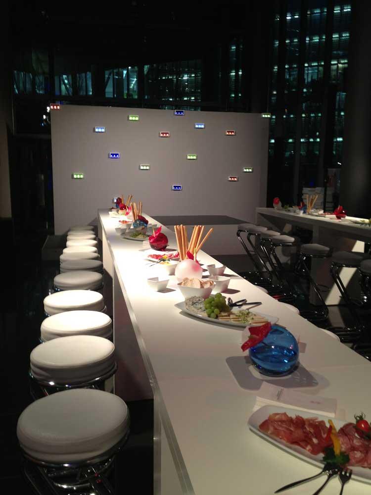 Hocker mit Tisch: Event Agentur creative Service Drummer, Berlin