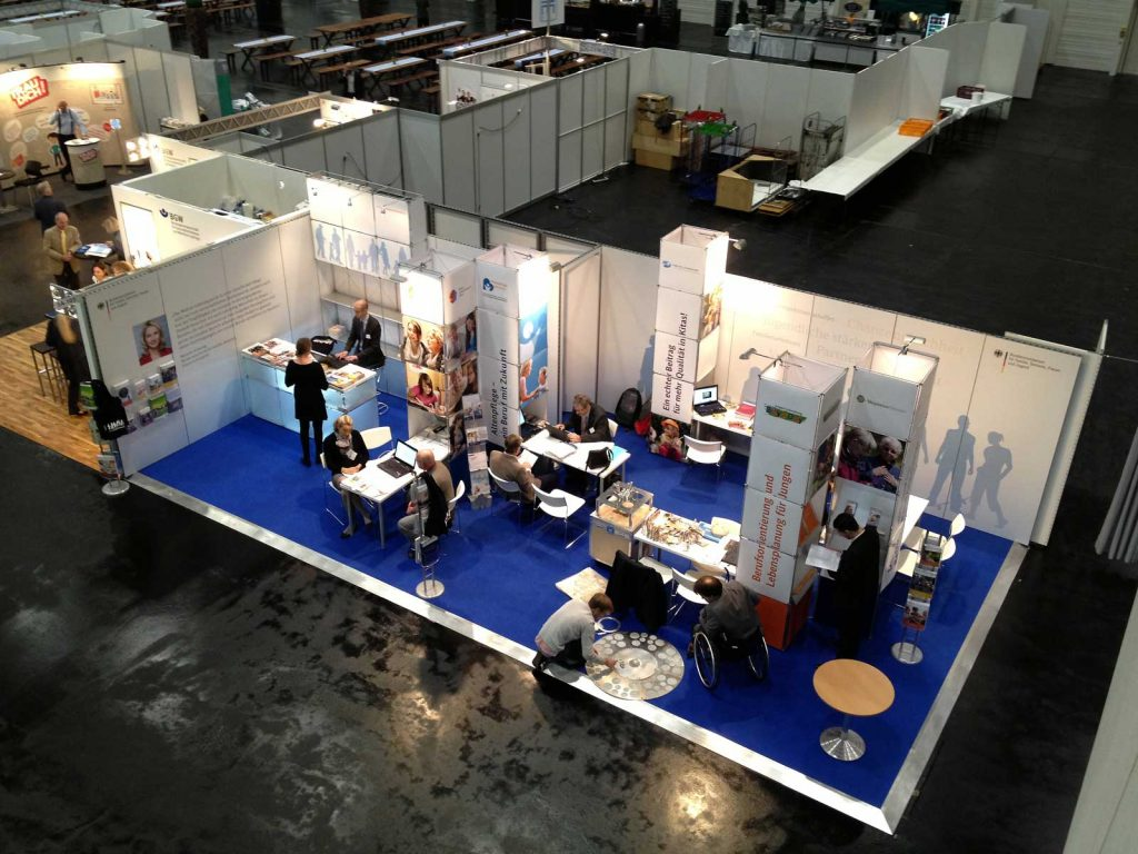 Exhibition stand ministry of family affairs: Event Agency creative Service Drummer, Berlin